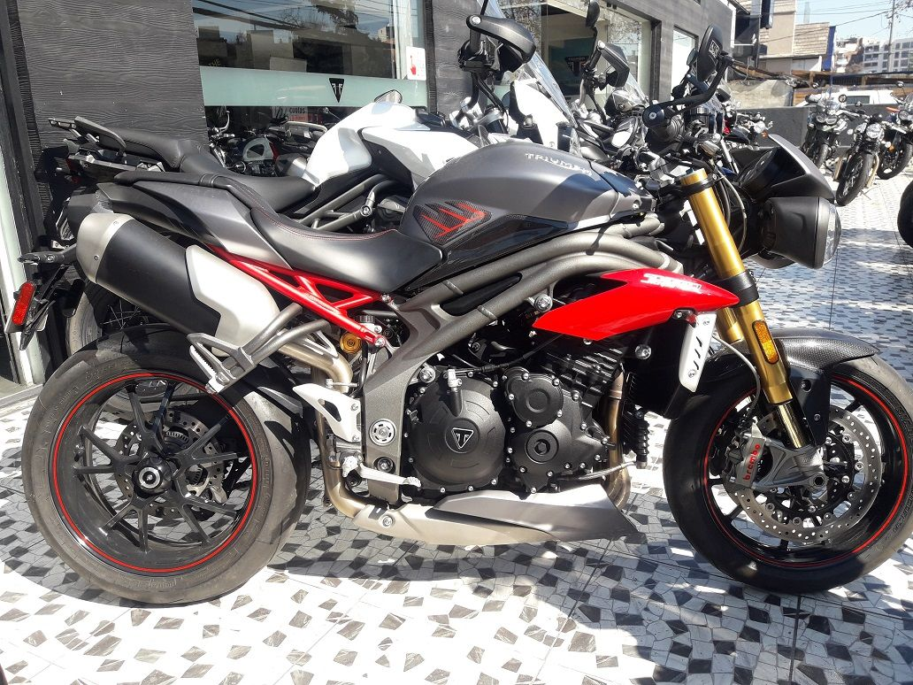 triumph-triumph-speed-triple-r